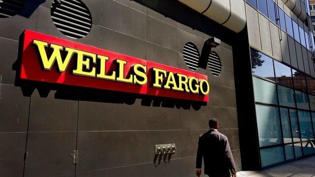 5300 employés de Wells Fargo licenciés