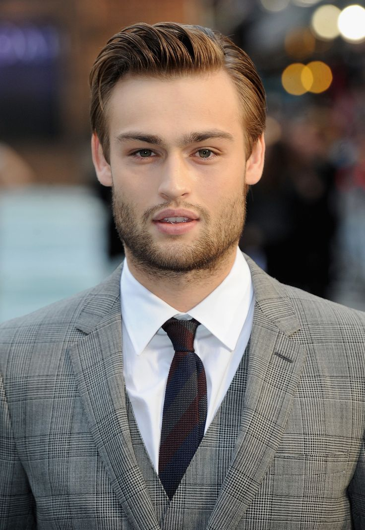 Douglas Booth - easy on the eyes