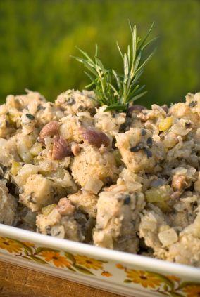 Delicioso Relleno de Castañas para el pavo. Cocínalo a parte para que mantenga un sabor más rico y sea más higiénico.