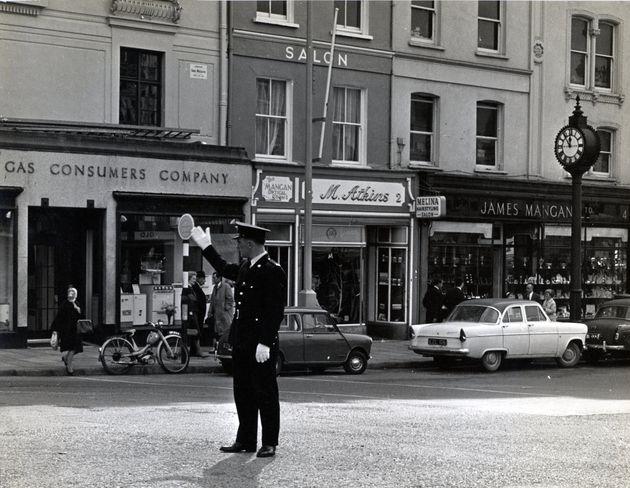 Dundalk 1900-1960: an oral history