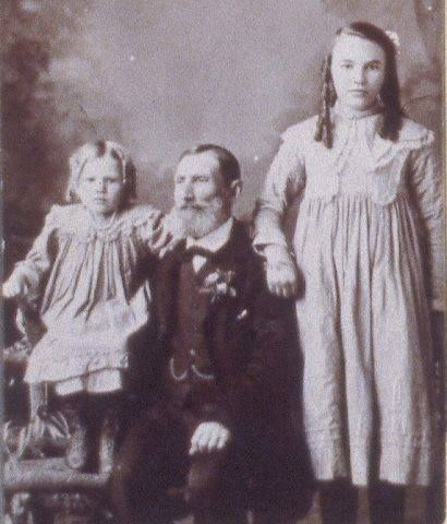 Richard Tonkin & Grandchildren Joy & Violet Tonkin