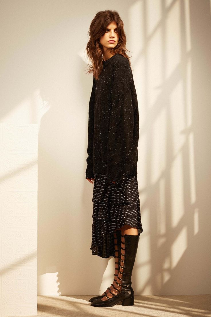Cozy and relaxed clothing in tibi pre-fall 2017