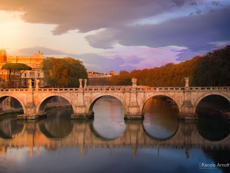 Sunset over the Vittorio Emanuele Bridge in Rome. This bridge connects Rome City Centre to the Vactican.http://ift.tt/2qcQGgU