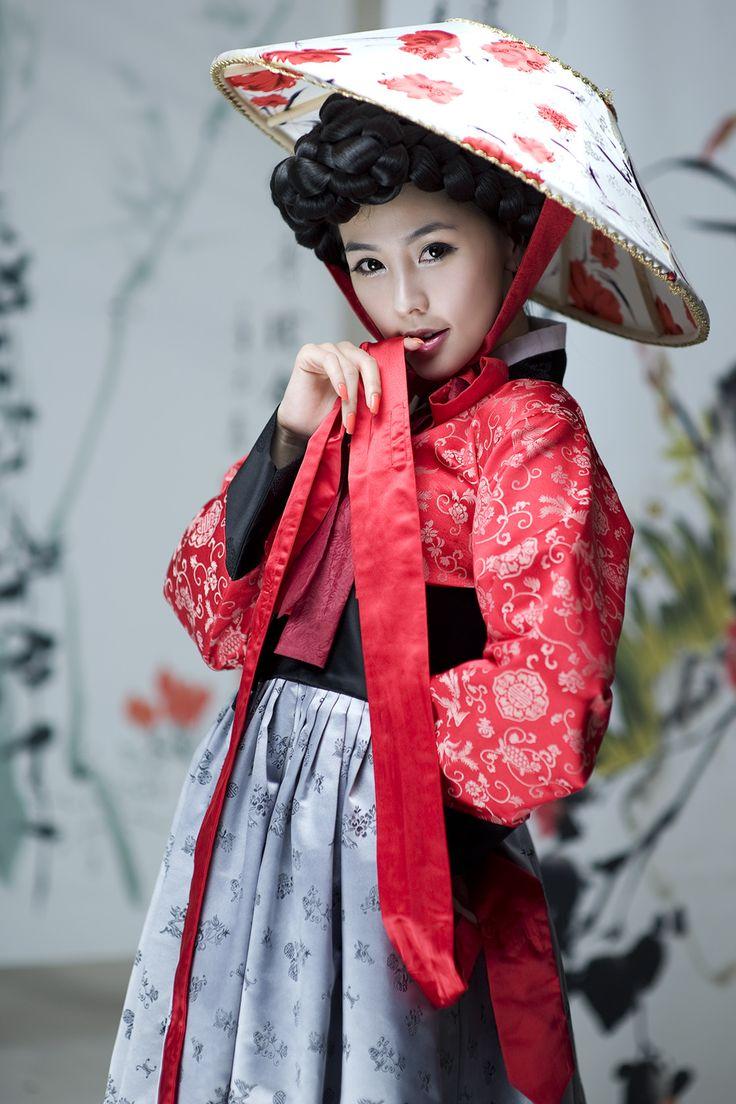 A woman in a lovely hanbok!