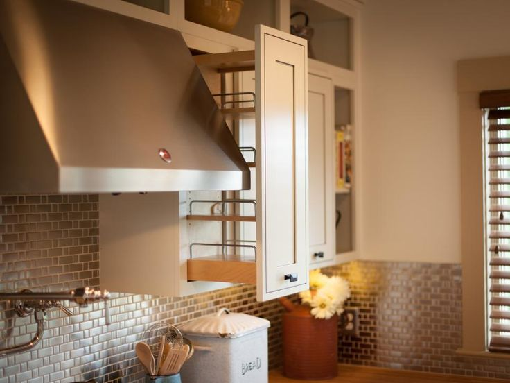 The home's open and inviting cooking space boasts a contemporary farm style that celebrates the home's pastoral setting.