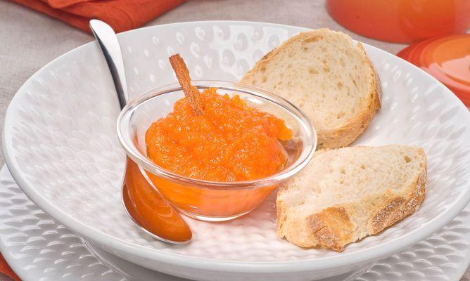 MERMELADA DE CALABAZA. Ingredientes: 350 g de calabaza + 100 g de azúcar + agua + 1 rama de canela   Más info: http://www.hogarutil.com/cocina/recetas/postres/200903/mermelada-calabaza-3651.html#ixzz38mzMGzja
