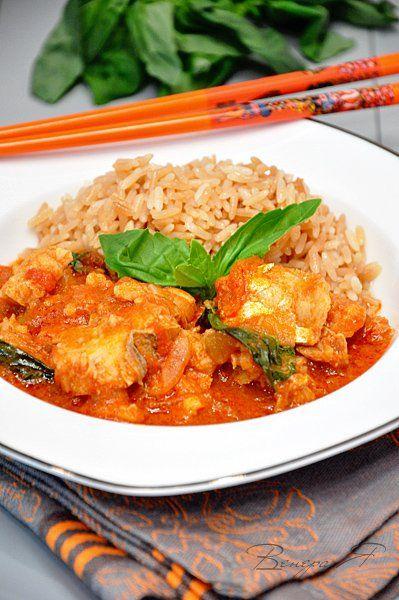Если Вы любите тайскую кухню, или просто любители поесть чего остренького - Вам сюда!!!! Я просто обожаю это блюдо!!! Рыба (Филе белой морской, у меня треска) — 1 кг…