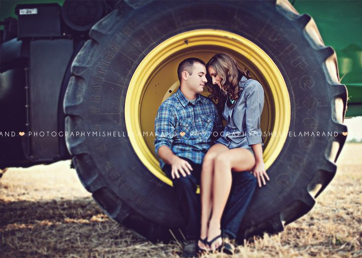 Country Engagement Pictures Josh+Chelsea  Photography by  http://www.mishellelamarand.com @Mishelle Lamarand