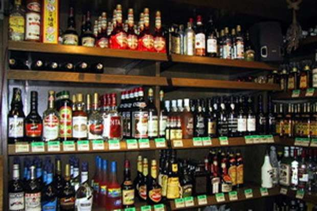 Lindungi Masyarakat dan Generasi Muda Keberadaan UU Minol Sudah Sangat Mendesak : Keberadaan RUU Larangan Minuman Beralkohol (Minol) dinilai sangat penting untuk melindungi masyarakat dari pengaruh negatif yang timbul akibat mengonsumsi minuman beral