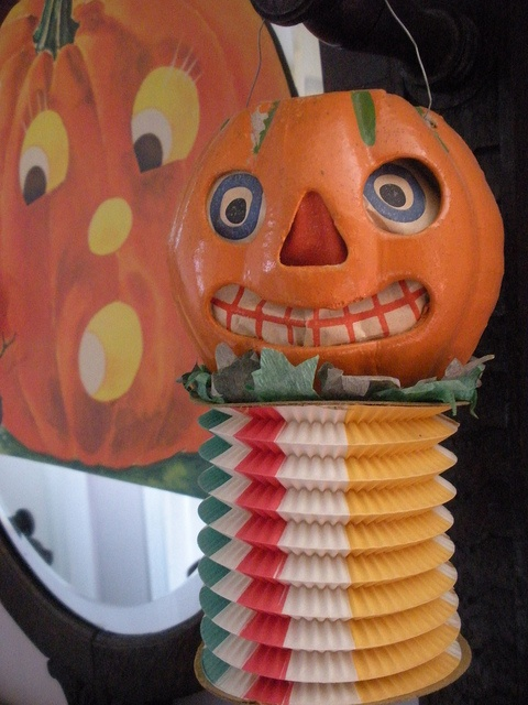 jol with accordion - German Halloween Decorations