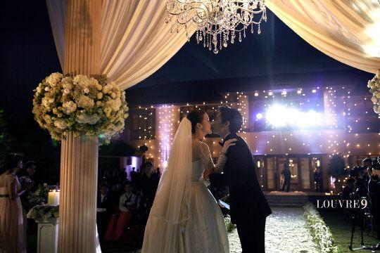 지성-이보영, 비공개 결혼식 사진..`행복한 입맞춤`