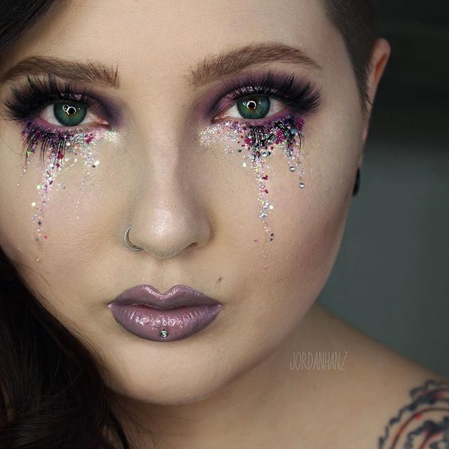 Pin for Later: Dieses Augenmakeup beweist: Tränen können wunderschön sein