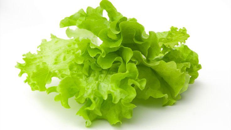 Салат из зеленого салата авокадо