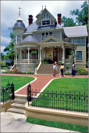 The Pillow Thompson House in Helena-West Helena Arkansas a popular Bed and Breakfasts. It is a Queen Ann Victorian house that was built in 1896 by Jerome Pillow. #Arkansas