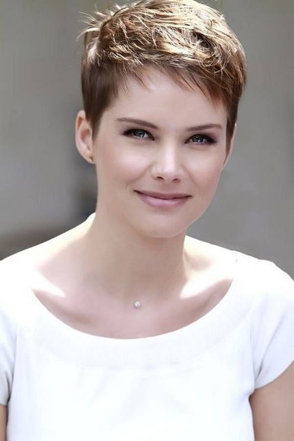 25 Short Hairstyles For Heart Shaped Faces Hair Pinterest