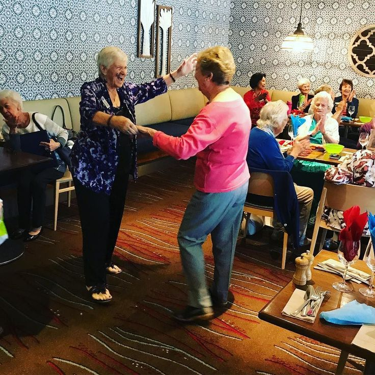 A couple of our War Widows couldn't control their feet today when they enjoyed the music of Romain at the Currumbin RSL. #GoldCoast #CurrumbinRSL #Romain #Music #Dancing