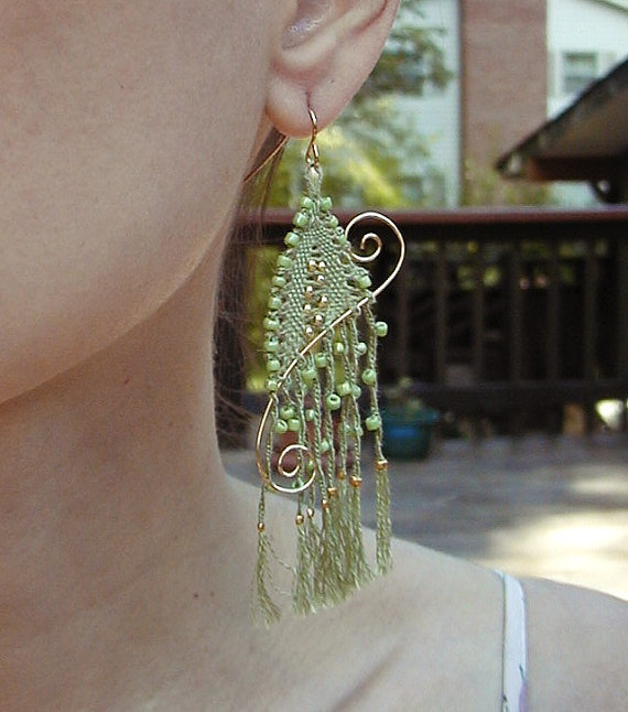Earrings by lailashandmadelaces on etsy. Something like this would make a gorgeous Christmas ornament also.