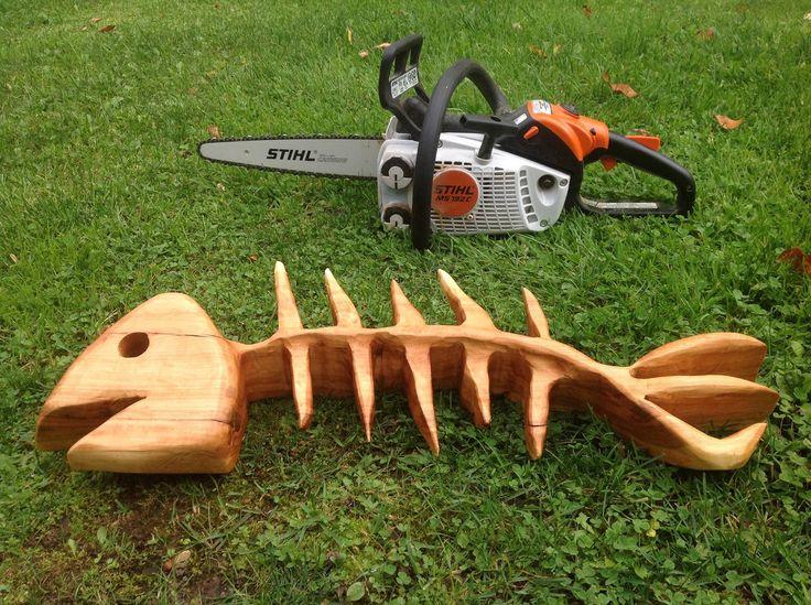 Chainsaw carving Fish Bone Bill Carver: www.facebook.com/Bill.Sculptures.tronconneuse.Quebec