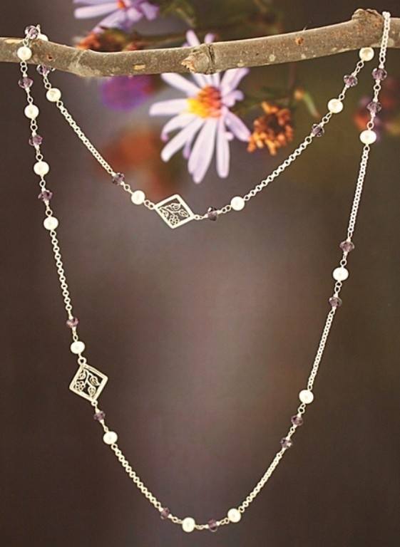 http://www.klaviora.com/jewelry/necklaces/amethyst-pearls-long-journey-necklace.html