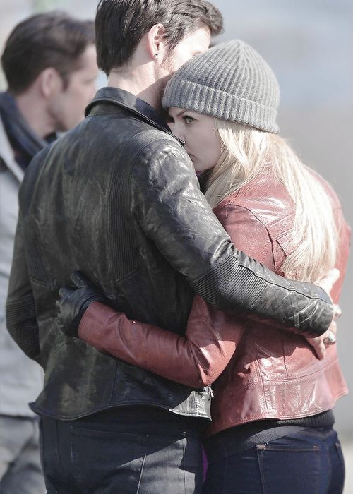 captainswansource:I'm okay. But not really. [x]