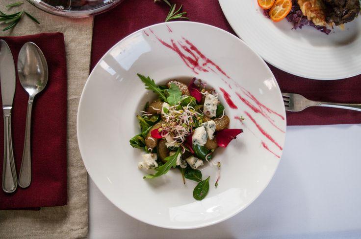 Serwujemy potrawy, które idealnie nadają się na gorące dni :)  #hotelklimekspa #hotelklimek #muszyna #mountais #gory #beskidsadecki #restauracjahotelklimek