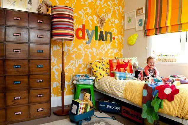 FB wallpaper in a kid's bedroom = genius!