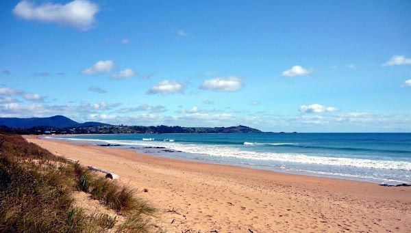 Hello, Even though the official temperature on Ulverstone Beach may not be too high you can still get severe sunburn. Make sure you to take adequate protection on all Tasmanian beaches. Regards Peter !