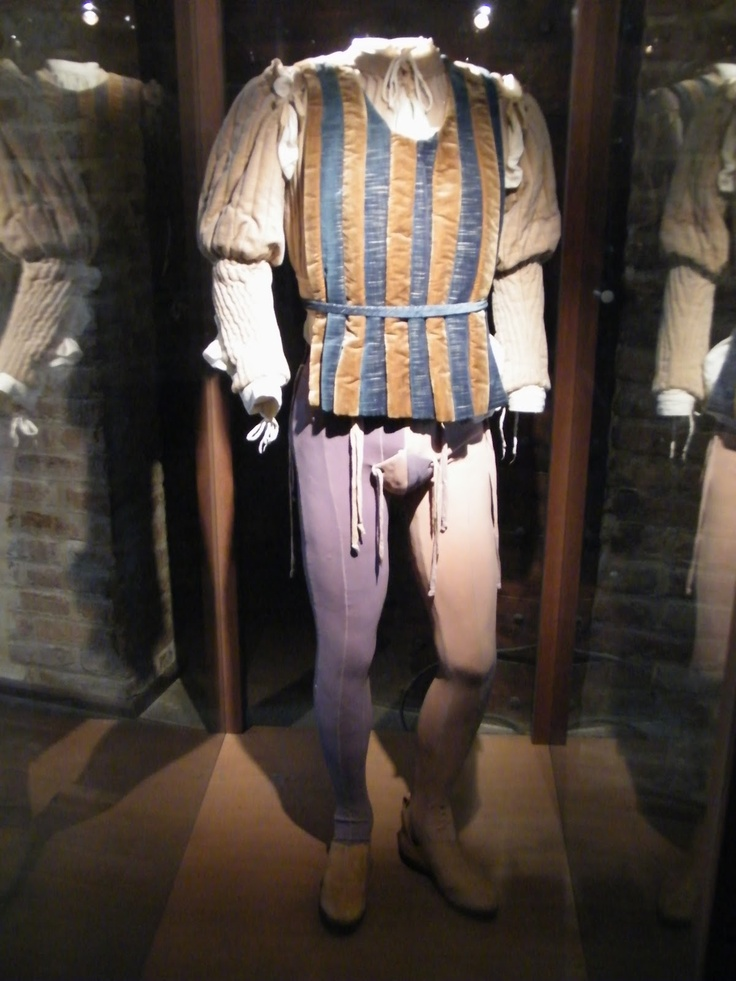 Doublet and parti-colored tights