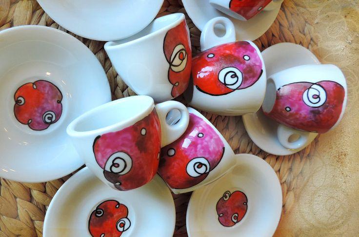 servizio tazzine da caffè dipinte a mano 6pz rosso di Luciana Torre SHOP - ceramica, foulards e accessori tessili, dipinti a mano con amore su DaWanda.com