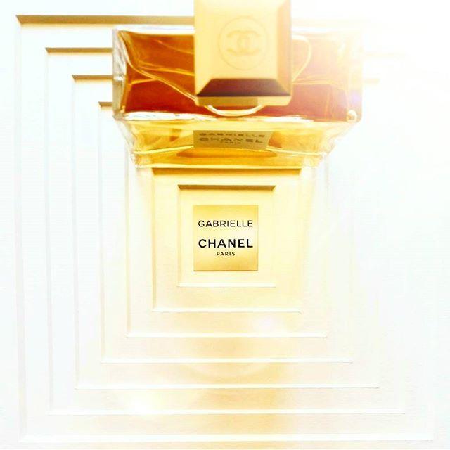 Finalmente qui...  GABRIELLE, il vortice radioso e inebriante della Maison CHANEL   #TheCHANELGABRIELLEfragrance #GabrielleChanel #ChanelFragrance #love #beautymarinad #beautyeditor #beautyblogger #beautynews #beauty #niche #luxury#perfume #perfumelover #perfumeblogger #perfumeaddict