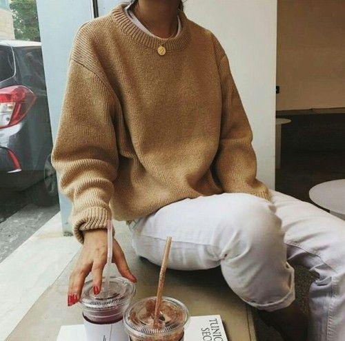 Camel sweater & white jeans   @styleminimalism
