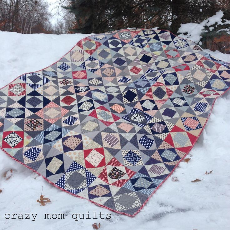 ub-sessed: Another economy block arrangement, this time from Crazy Mom Quilts.