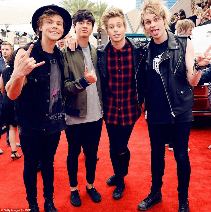 5 Seconds Of Summer - Ashton Irwin, Calum Hood, Luke Hemmings and Michael Clifford