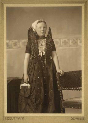 Foto van Prinses Juliana in Axels kostuum 1922 Foto: Franz Ziegler