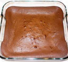 Gâteau fondant au chocolat et aux petits suisses - (pas de beurre, pas de crème !!) 3 Petits Suisses 150g de sucre 250g de chocolat dessert 50g de farine 3 oeufs En savoir plus sur http://www.750g.com/gateau-fondant-au-chocolat-et-aux-petits-suisses-r7280.htm#bPTFb7L2iCIbgsfB.99