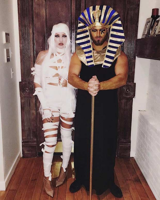 31 Creative Couples Costumes for Halloween                                                                                                                                                                                 More