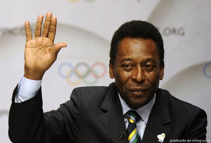 """Pelé: """"La familia del fútbol brasileño está de luto"""""""