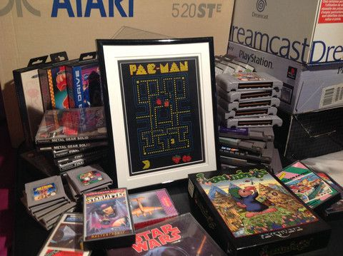 """Pac-Man Cross Stitch Picture and Frame 6""""x8"""" – Obsolete Gaming"""