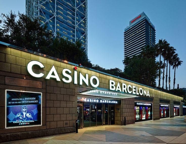 Покер, все виды рулетки, блэк-джек, мини пунто-банко и пунто-банко, ла буль, кости, современные игровые автоматы, рестораны высокой кухни –в том числе традиционная итальянская, японская и средиземноморская кухни, живая музыка, дискотека, бары, шоу и развлечения на любой вкус – все это казино.