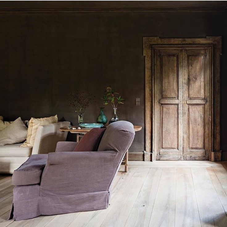 The Most Beautiful Image In A Long Time When Painting A Wall Becomes Art Walls By Eddydankers Furniture By Axelvervoordt Floors Villa