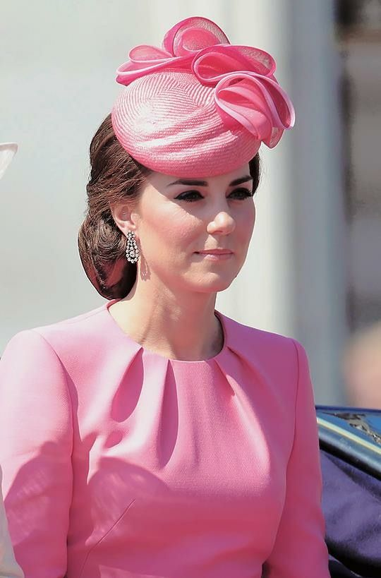 """Catherine, Duchess of Cambridge. """"Un diamante nace sólo después de soportar una presión tremenda y enorme calor durante miles de años. Creación y cultivo de la belleza no sucede por casualidad. La resistencia es la clave del éxito."""" - Deodatta V. Shenai-Khatkhate"""