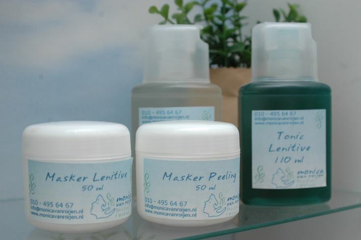 """Uitverkoop producten voor een uitstekend verzorging van gezicht, super natuurlijk: Deze producten gaan uit ons assortiment en zijn dus zeer sterk afgeprijsd.  Jij bepaalt jouw korting.  Hoe werkt dat?  Op=op en weg=weg.  """"Zuurstof,"""" stimulerend voor de huid  """" Re-acid"""", sterk antioxidant.Tegen vrije radicalen.  """"Lenitive (Kalmerend)""""  """"Pure( acnee/onrustige huid)""""    1 product 30% off,  2 producten 40% off  3 producten 50% korting.      Skin Spa Monica van Roijen.    www.monicavanroijen.nl"""