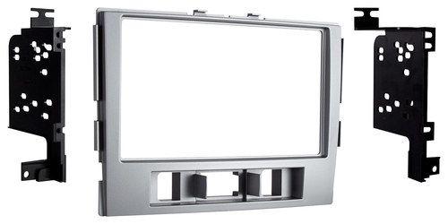 Metra - Dash Kit for Select 2010-2012 Hyundai Santa Fe Vehicles - Silver