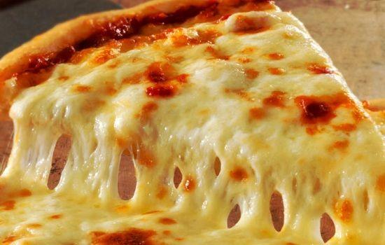 Pizza bianca ai quattro formaggi