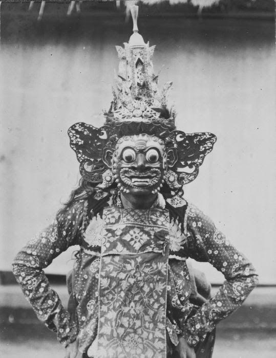 nickyskye meanderings: Bali,Borneo in the 1910's, 1920's,1930's, 1940's, wandering around the Tropenmuseum website