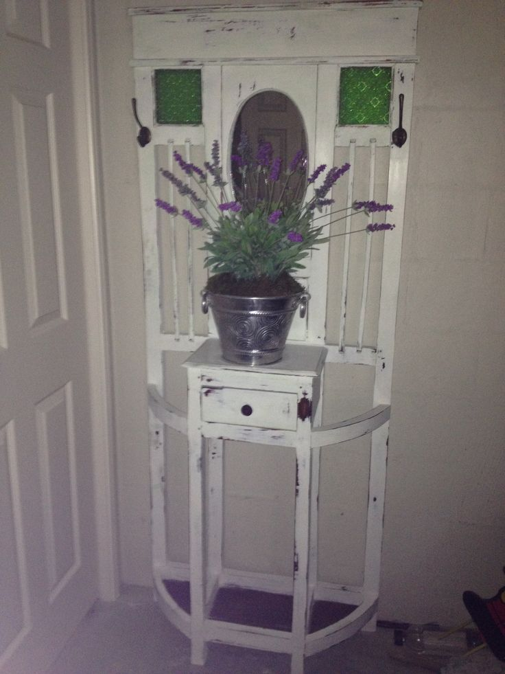 Finished fixing up this old hall stand with green glass lead light. My pot of Lavender gives it that old world charm