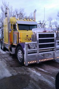 2007 Peterbilt 379 for sale by owner on Heavy Equipment Registry. http://www.heavyequipmentregistry.com/heavy-equipment/14213.htm