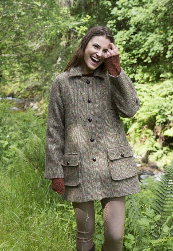 Harris Tweed Ladies Country Coat with handwarmer pockets #HarrisTweed #HarrisTweedCoat #GlenalmondTweed