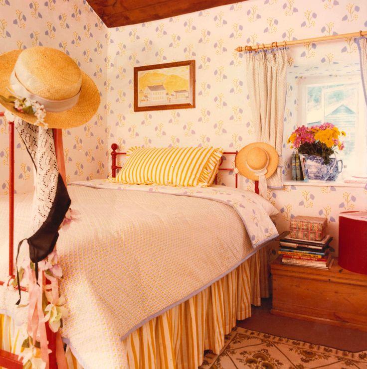 Best 8 Best 80S Bedrooms Images On Pinterest Bedrooms 1980S 400 x 300