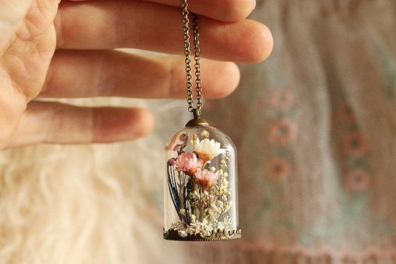 Medaglione di fiore reale regali per lei di RubyRobinBoutique